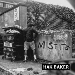 Hak Baker - Tom